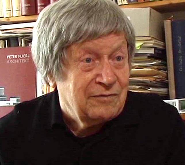 Bruno Flierl beim Interview mit dem Buonarroti-Archiv
